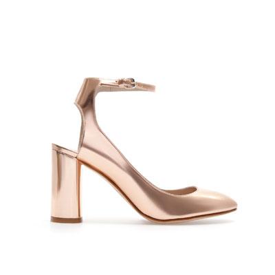 Sandalia Laminada Zara 59.95 euros