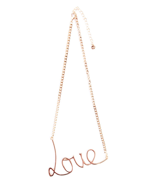 Collar Love Pull&Bear 7.99 euros