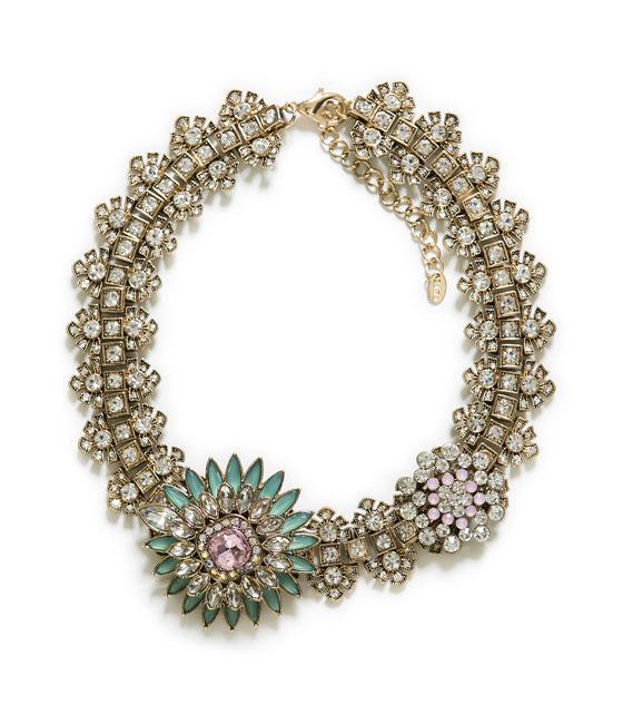 Collar Zara 22.95 euros
