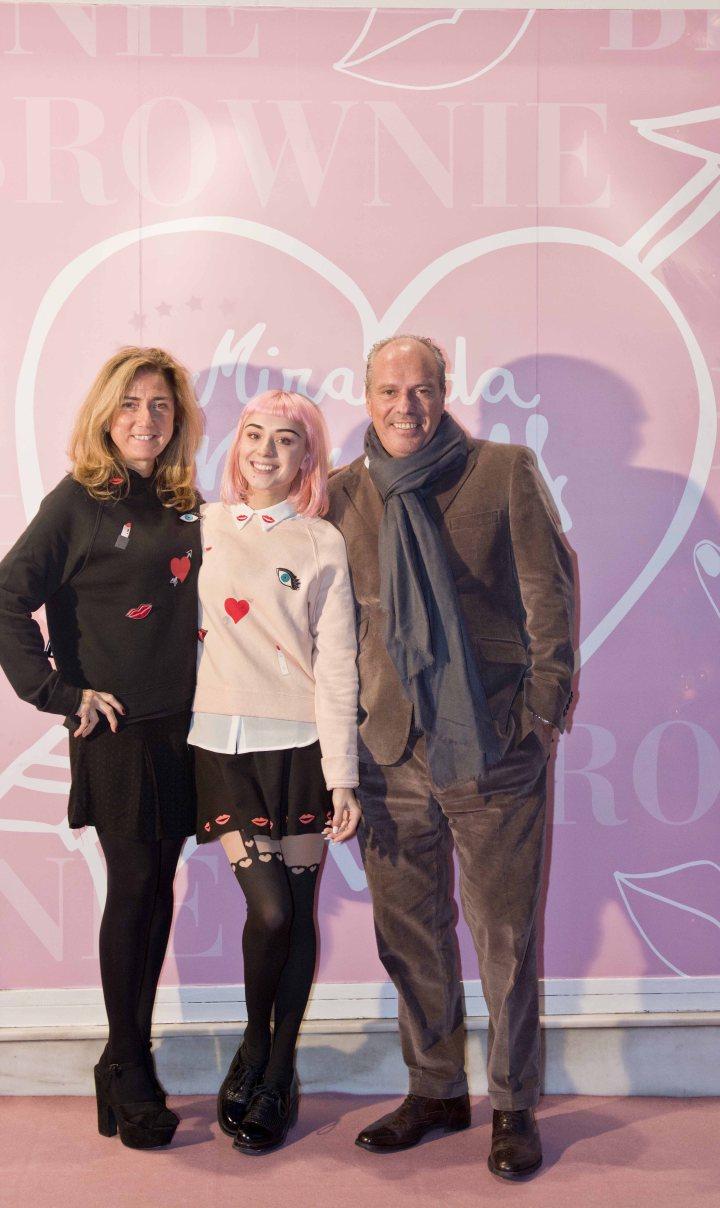 Mercedes Ortega y Juan Morera propietarios de BROWNIE con MIRANDA MAKAROFF ok